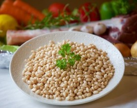 Creamy Cannellini Beans with Garlic and Oregano